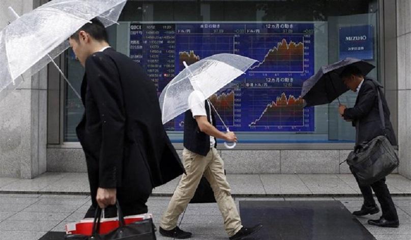 Καταιγίδα» στις αγορές από τα μέτρα του Τραμπ  9ffbfb3d3da