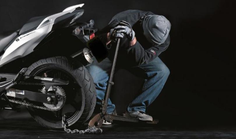 Λιβαδειά :Βόλτες με κλεμμένο μηχανάκι για 26χρονο που συνελήφθη
